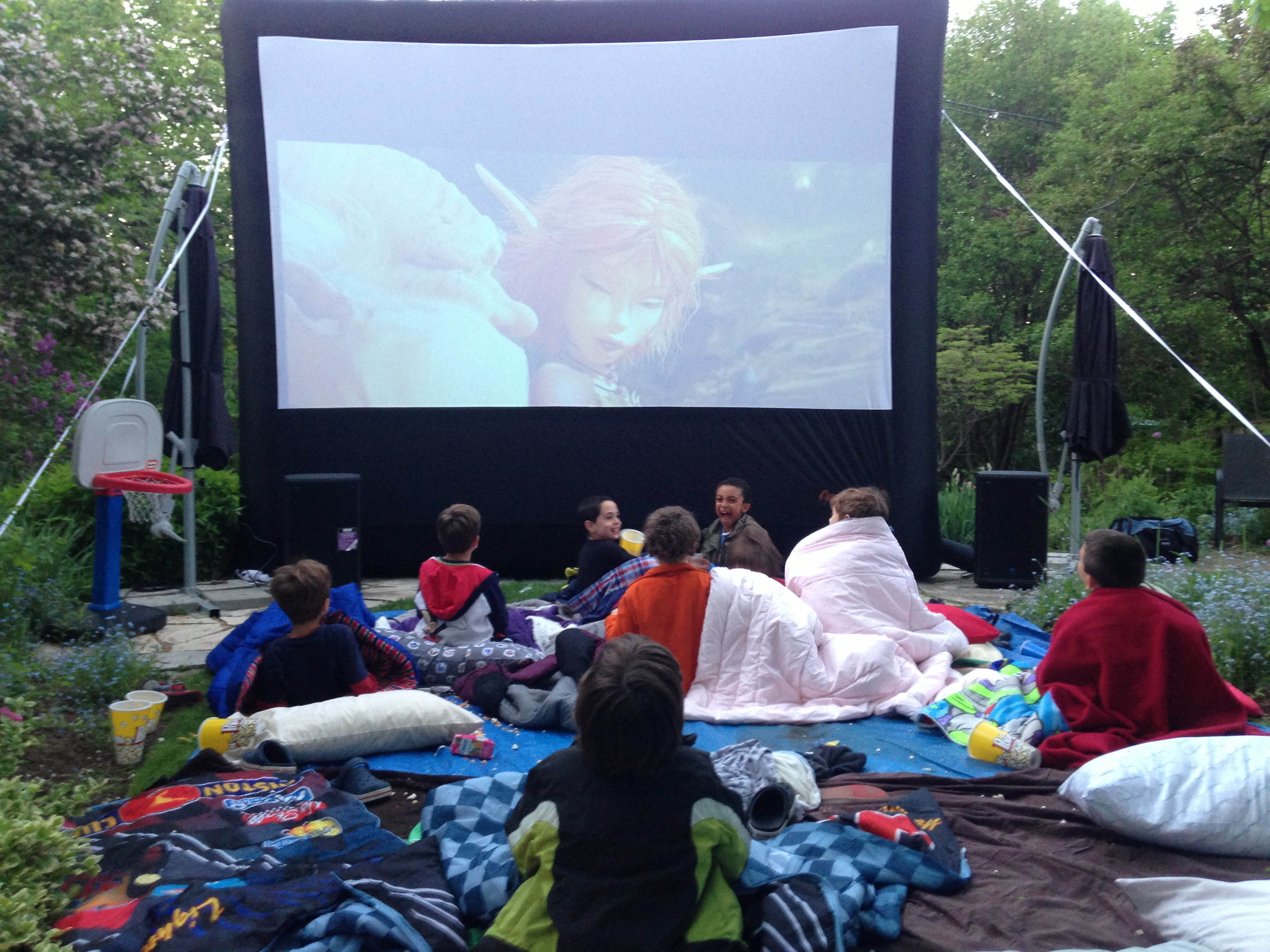 airscreen inflatable outdoor movie screen sales u0026 rentals canada