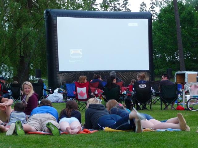 Airscreen inflatable outdoor movie screen sales & rentals - Canada
